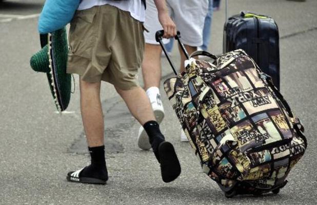 Positief getest, maar toch op het vliegtuig: zeker 20 besmette jongeren vlogen naar België