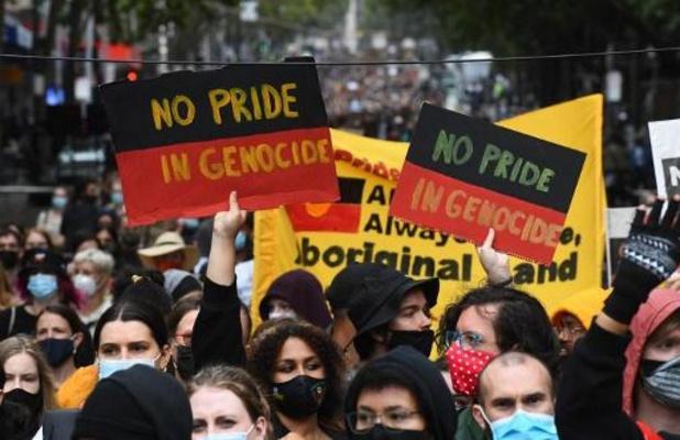 """Des milliers d'Australiens dénoncent la """"Journée de l'invasion"""", malgré le virus"""