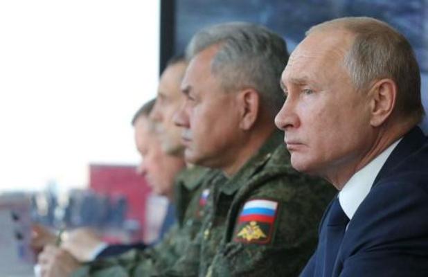 Russische president Poetin laat zich inenten met Russisch coronavaccin