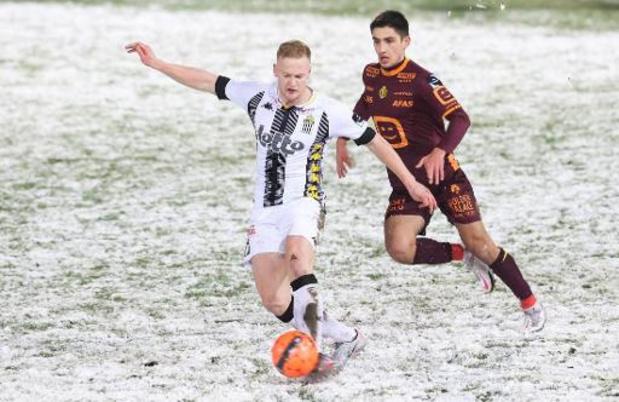Jupiler Pro League - Le département arbitrage de l'Union belge défend la tenue des matches sur la neige