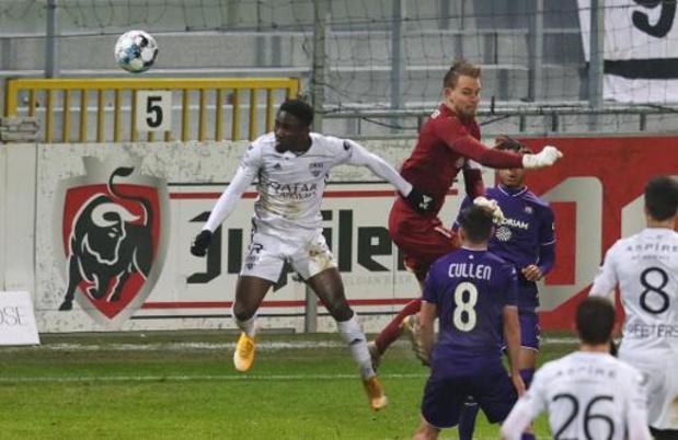 Jupiler Pro League - Eupen bat Anderlecht, réduit à 10 dès la 39e minute