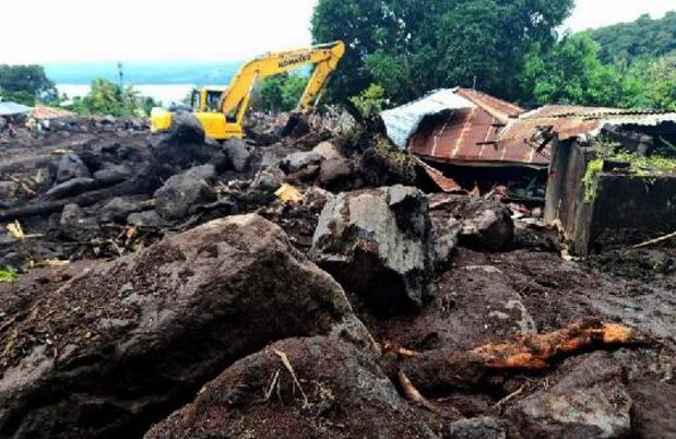 Arrivée de l'aide humanitaire dans les îles dévastées par un cyclone en Indonésie