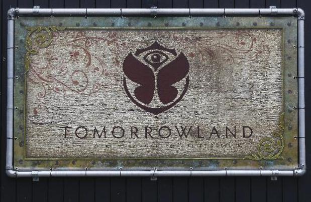 """Plus de vente de cigarettes à Tomorrowland mais bien d'""""alternatives"""" comme le vapotage"""