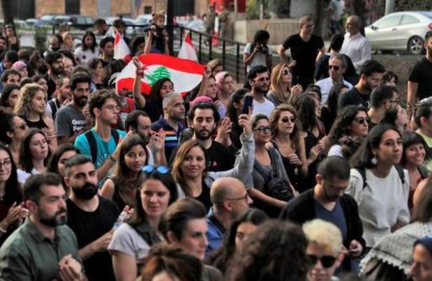 Les banques rouvrent, apaisement relatif de la contestation au Liban