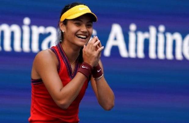 US Open - Issue des qualifications, Emma Raducanu poursuit son parcours et se hisse en quarts