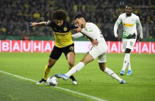 Belgen in het buitenland - Thorgan Hazard geeft assist voor winning goal van Dortmund in bekerduel tegen Gladbach