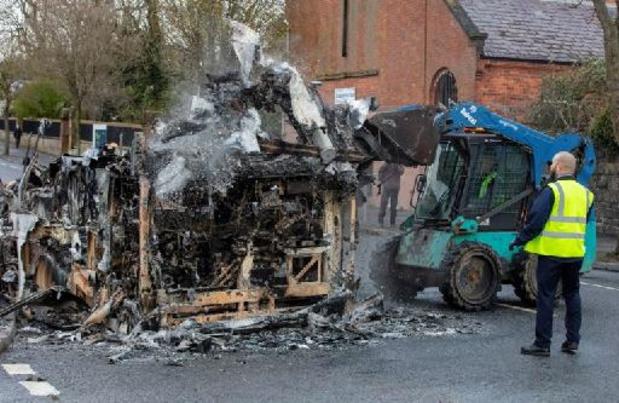 Brexit - Irlande du Nord: Londres et Dublin appellent au calme après une semaine de violences