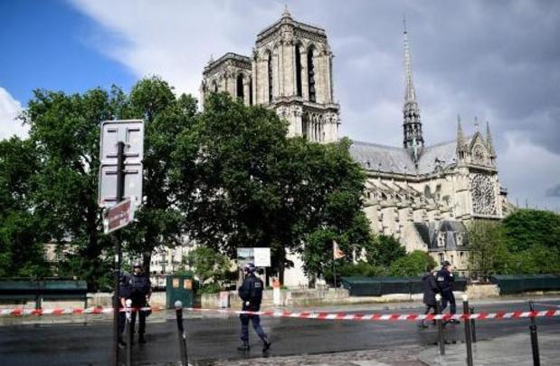 Jihadist krijgt 28 jaar voor hameraanval op Franse agent
