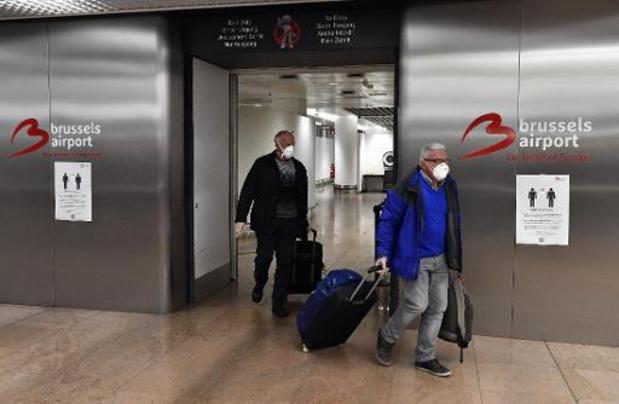 Mondmaskers tot eind augustus verplicht in vliegtuigen Brussels Airlines