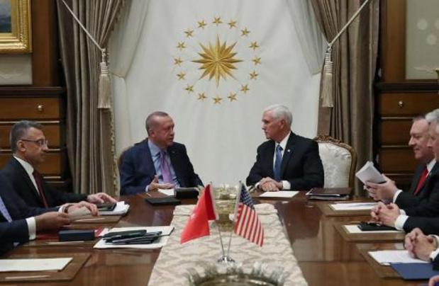 Vicepresident Pence kondigt staakt-het-vuren in Syrië aan