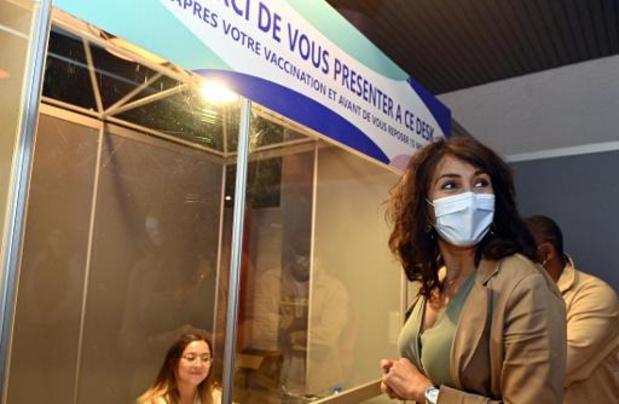 Succès de foule pour l'ouverture du centre de vaccination au Sporting de Charleroi