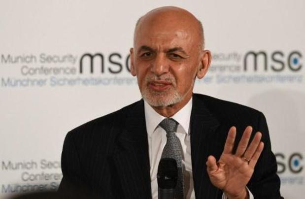 Afghanistan : investiture officielle mouvementée