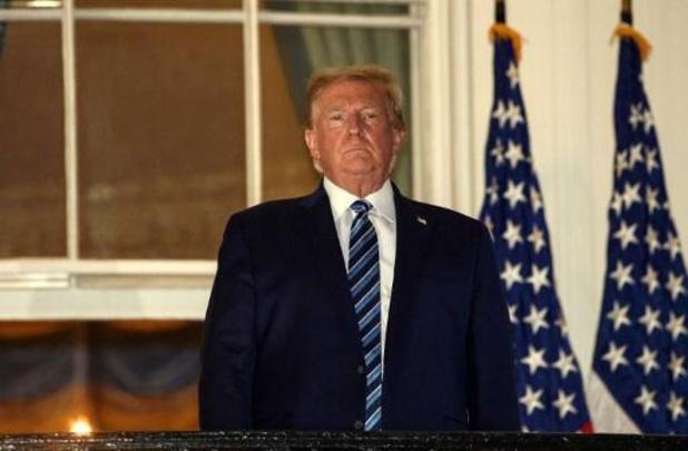 """Trump besmet met corona: """"Trump vertoont geen symptomen meer"""""""