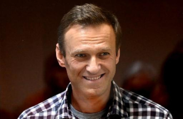 """Emprisonnement de Navalny - Biden juge le sort de l'opposant russe Navalny """"totalement injuste"""""""