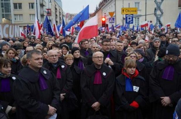 Pologne: manifestation à Varsovie contre la loi qui sanctionne les juges