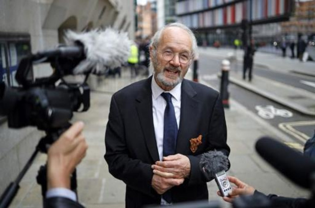 Uitleveringszaak Assange in Londen geschorst na corona-alarm