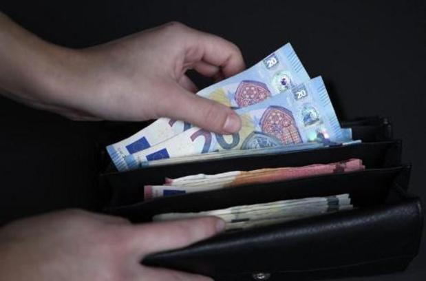 """Le front commun syndical rejette la marge salariale de 0,4%, """"aumône"""" inacceptable"""