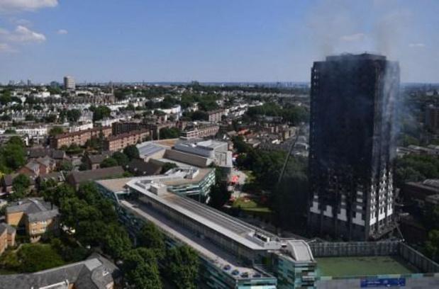 Britse regering maakt 4 miljard euro vrij om herhaling Grenfelltorenbrand te vermijden