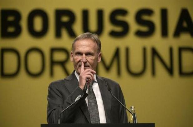 """Dortmund-topman spreekt dreigende taal: """"Volgende maand voetballen, anders is het gedaan"""""""