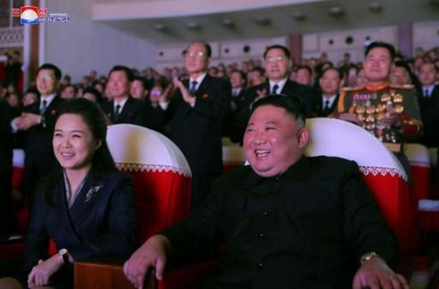 Vrouw van Kim Jong-un voor het eerst in meer dan een jaar in openbaar verschenen