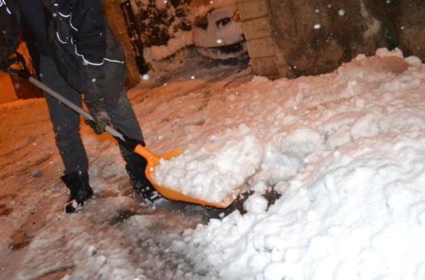 Driehonderdduizend gezinnen zonder elektriciteit door sneeuwval in Frankrijk