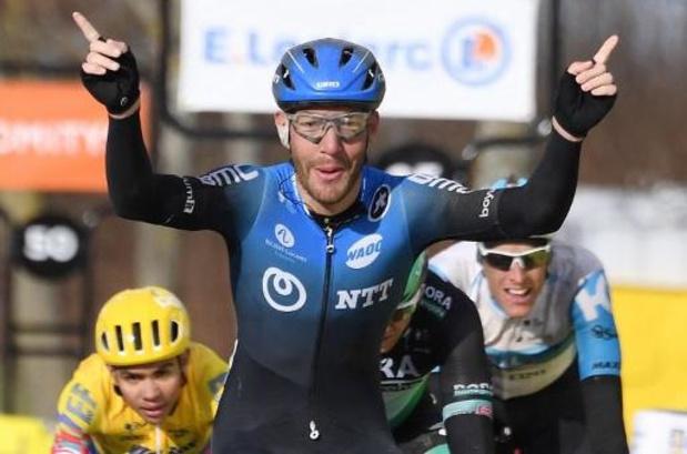 Giacomo Nizzolo wint tweede etappe in Parijs-Nice