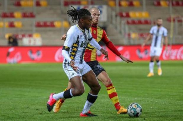 Jupiler Pro League - Joris Kayembe prolonge son contrat avec Charleroi jusqu'en 2023