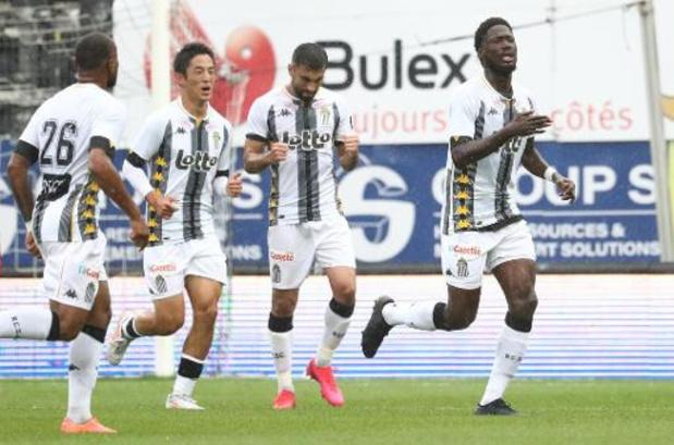 Jupiler Pro League - Charleroi bat l'Antwerp, signe un 4e succès de rang et prend seul la tête