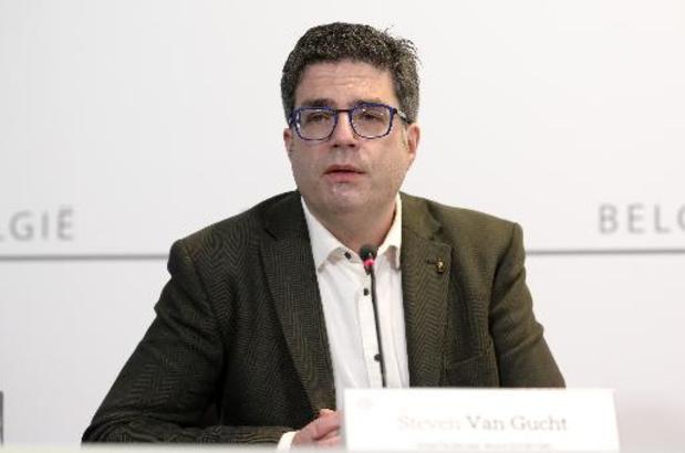 """Steven Van Gucht over coronacijfers: """"Een langverwachte en welverdiende daling is eindelijk ingezet"""""""