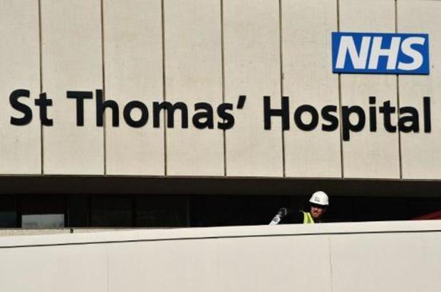 """Boris Johnson remercie le service de santé britannique à qui il """"doit la vie"""""""