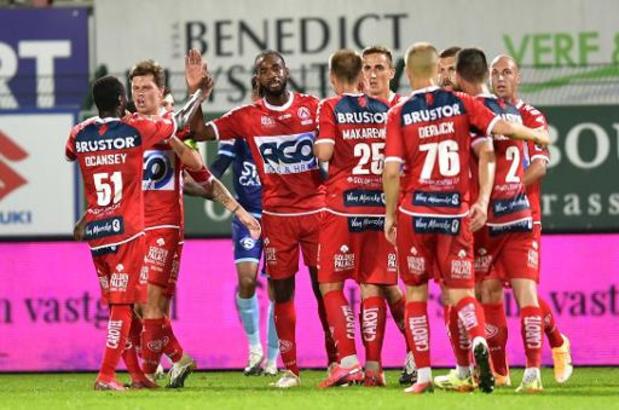Jupiler Pro League - Avec deux exclus, Mouscron s'écroule à Courtrai