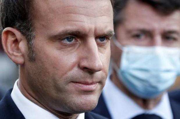 """Le président français dénonce """"une attaque terroriste islamiste"""" pour l'attaque au couteau à Nice"""