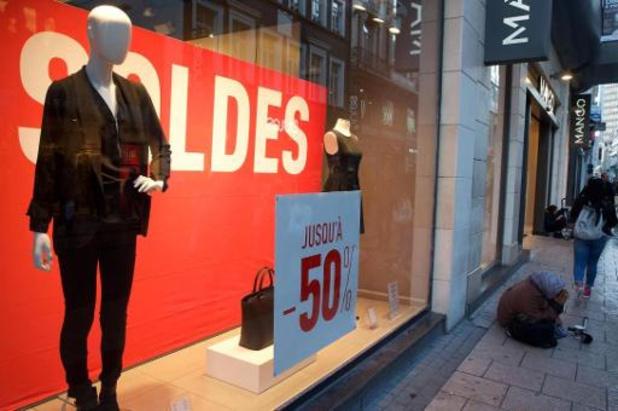 """Les détaillants de mode espèrent un """"vrai hiver"""" d'ici aux soldes"""