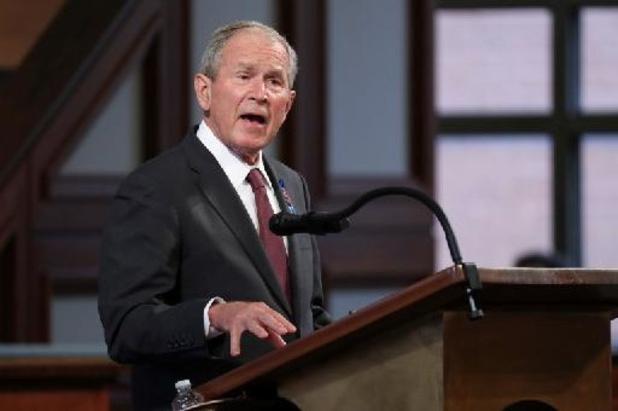 Bush: vertrek NAVO-troepen uit Afghanistan is 'een fout'