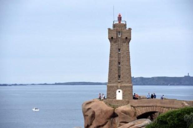 Zeven Belgen gered nadat zeilboot zonk voor de Bretoense kust
