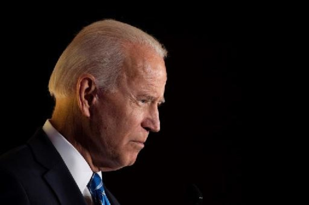 """Biden salue les chiffres de l'emploi de mars aux Etats-Unis, sources d'""""espoir"""""""