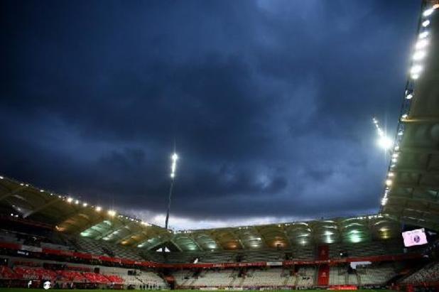 Le public autorisé à revenir dans les salles et dans les stades en France petit à petit