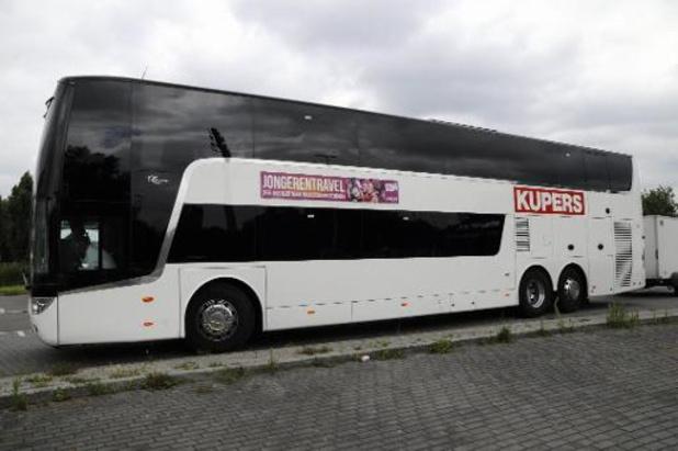 Jongerentravel haalt nog 11 besmette jongeren met bus weg uit Spanje