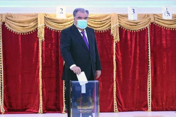 President Rachmon zoals verwacht herverkozen in Tadzjikistan