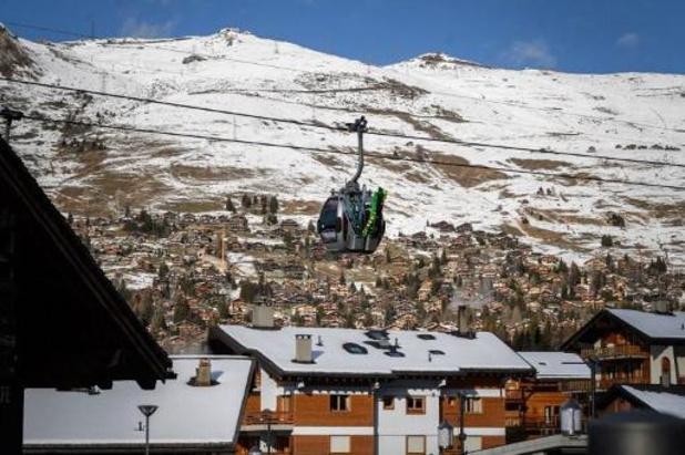 Coronavirus - Honderden Britten ontvluchten quarantaine in Zwitsers skioord