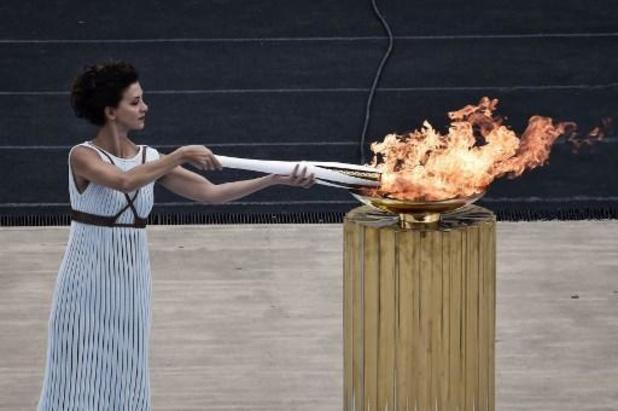 La cérémonie d'allumage de la flamme olympique sans spectateurs