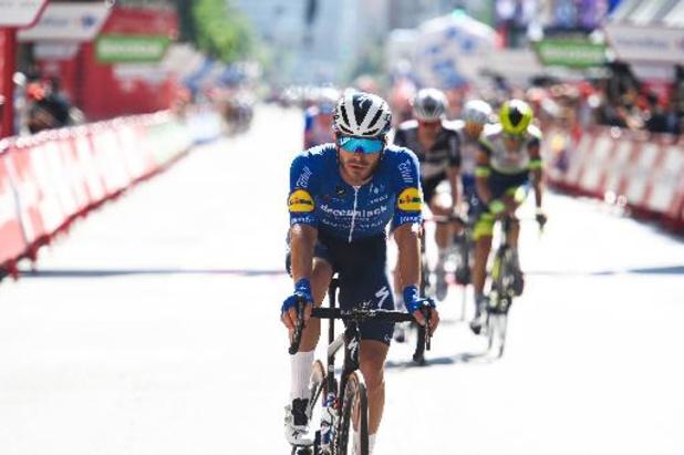 Sénéchal spurt naar zege in 13e rit Vuelta, Eiking blijft leider