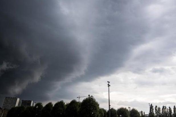 Un temps variable avec des nuages et de la pluie