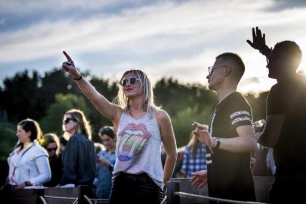 Paradise City Festival: 400 festivaliers sur des radeaux au château de Ribaucourt