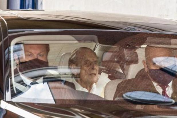 Mort du prince Philip: les drapeaux mis en berne au palais de Buckingham