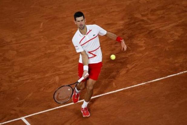 Djokovic heeft geen moeite met Berankis en bereikt derde ronde Roland Garros