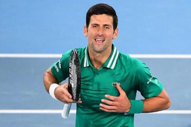 Titelverdediger Djokovic bereikt tweede ronde