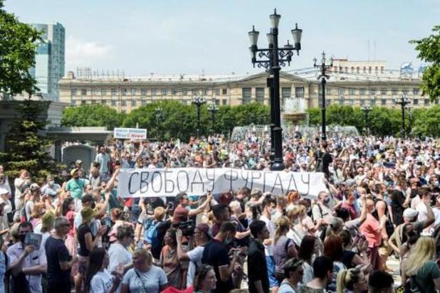 Des milliers de personnes manifestent contre l'arrestation d'un gouverneur en Russie