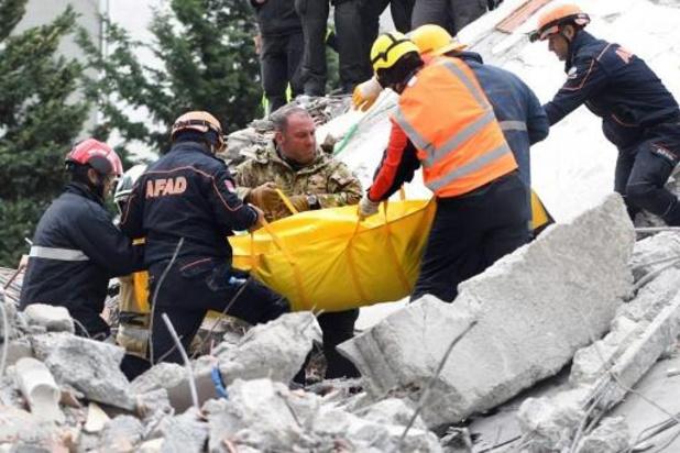 Séisme en Albanie: 49 morts, des milliers de déplacés