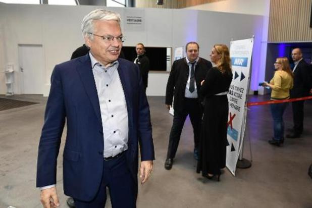 """Reynders """"weet niet van onderzoek"""" en ontkent aantijgingen"""